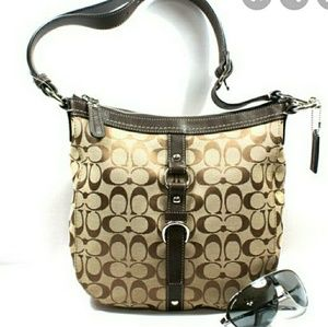 New Condition-COACH Chelsea Signature Duffle Xbody
